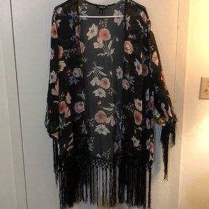 Torrid black floral fringe kimono